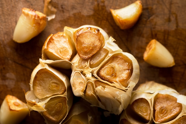 How to Roast Garlic Without Using Oil