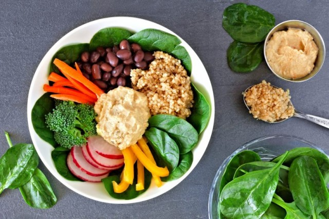 Vegetable Bowl with Hummus
